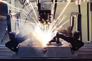 Laserstrahlschweißen von Stahl und Aluminium. (Foto: LZH)