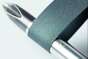 Isotec: Das Keramikband ist extrem biegsam. Ein Biegeradius von 3 mm ist Standard. Andere Biegeradien sind auf Wunsch möglich.
