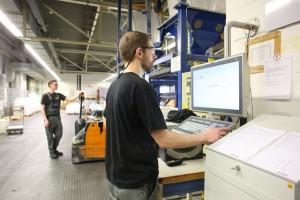 Dank der digitalisierten Produktion nach den Maßstäben von Industrie 4.0 werden Präzision und Qualität bei Rhenus Lub neu definiert: Die Herstellung selbst komplexer Spezialschmierfette wird nochmals genauer – und vor allem wiederholbarer.