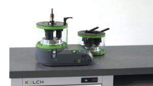 RoWi ist wahlweise als flexibel einsetzbares Tischgerät (hier abgebildet) oder als maßgeschneiderter Einbau in CNC-Maschinen erhältlich.