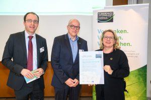 Bundesumweltministerin Schulze ernennt Voigt & Schweitzer zum Klimaschutz-Unternehmen