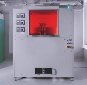 Anlage für das Multi Material Jetting von Hochleistungs-Komponenten mit kombinierten Eigenschaften oder Funktionen.