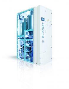 """Abb. 2: Der Serien-Kaltwassersatz """"eChiller"""" nutzt das natürliche Kältemittel Wasser (R718) und ist damit von allen kältemittelrelevanten Umwelt- und Sicherheitsvorschriften ausgenommen. Bildnachweis: Efficient Energy GmbH"""