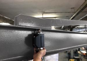 BU: Mobile Härteprüfung an großen Bauteilen direkt in der Produktionsumgebung mit dem e-dynatest