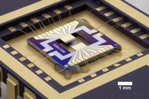 """Abbildung 6: An der TU Wien entwickelter piezoelektrischer MEMS Sensor zur Detektion von """"varnish""""-Partikeln in Schmierölen."""