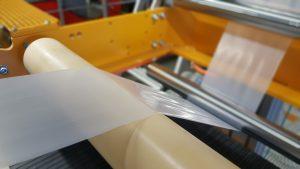 © Fraunhofer IAP Herstellung einer biofunktionalisierten Folie im Verarbeitungstechnikum.